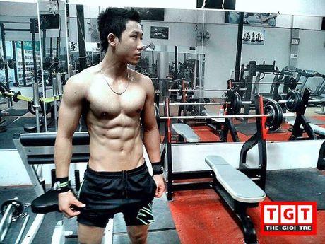 Chang trai tre quyet tap bung 6 mui de het bi coi thuong - Anh 3