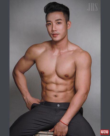 Chang trai tre quyet tap bung 6 mui de het bi coi thuong - Anh 6