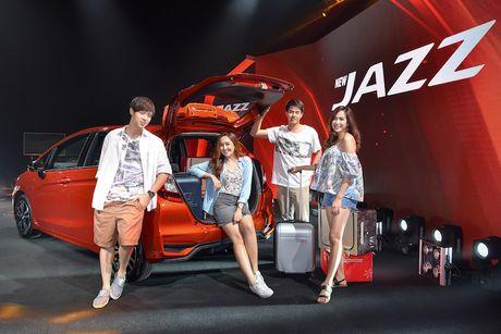 Hatchback Honda Jazz 2017 'sieu re' gia chi 365 trieu - Anh 8