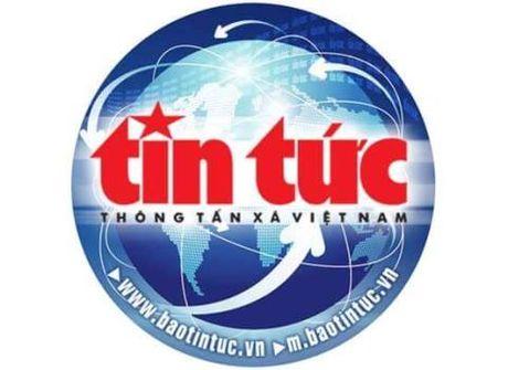 Khen thuong tai xe taxi cuu nguoi tu tu o ho Xuan Huong - Anh 1