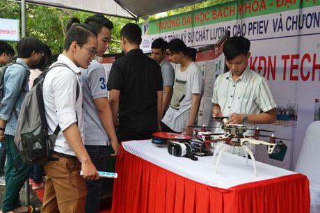 Hon 3.000 sinh vien Dai hoc Da Nang tham du ngay hoi viec lam - Anh 1