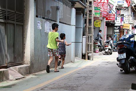 Doc dao 'duong BRT' danh rieng cho tre em di bo o Ha Noi - Anh 10