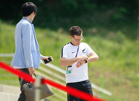 Luyen tuyet chieu ha U20 Viet Nam, New Zealand tap khung gio la - Anh 2
