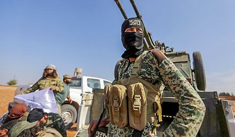 Syria: Khung bo dung do ac liet o Dong Ghouta, 2 thu linh cap cao thiet mang - Anh 1