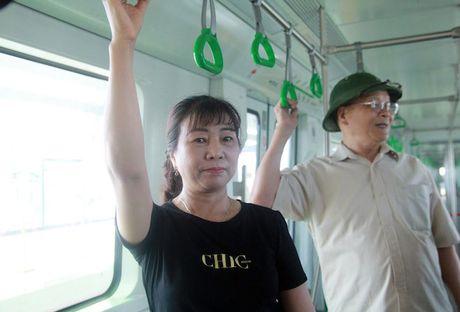 Nguoi dan muc so thi tau Cat Linh – Ha Dong va ga mau La Khe - Anh 13