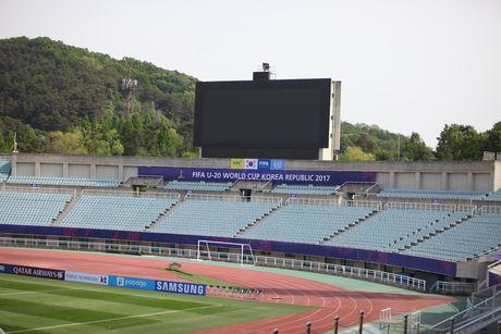Can canh san dau dep nhu mo cua U20 Viet Nam tai World Cup - Anh 12