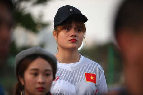 Co dong vien bi duoi vi U20 Viet Nam bat ngo tap kin - Anh 11