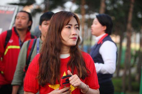 Co dong vien bi duoi vi U20 Viet Nam bat ngo tap kin - Anh 12