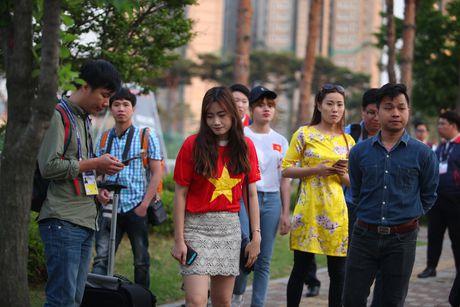 Co dong vien bi duoi vi U20 Viet Nam bat ngo tap kin - Anh 7