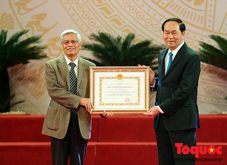 Chung toi phai co gang hon nua, sang tao hon nua de xung dang voi Giai thuong mang ten Ho Chi Minh - Anh 1