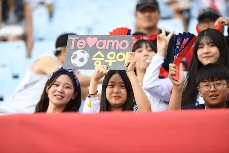 U20 Han Quoc vs U20 Guinea (0-0, H1): Fan nu lam nong khan dai - Anh 9