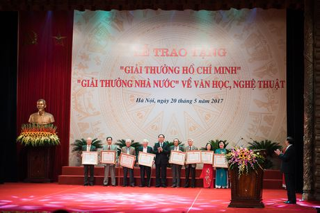 Toan canh le trao 'Giai thuong Ho Chi Minh' ve Van hoc, Nghe thuat - Anh 10
