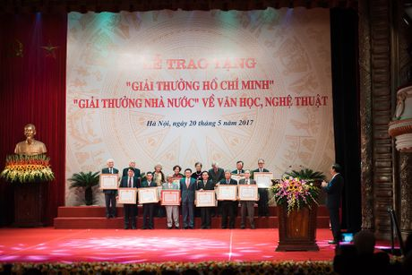 Toan canh le trao 'Giai thuong Ho Chi Minh' ve Van hoc, Nghe thuat - Anh 11