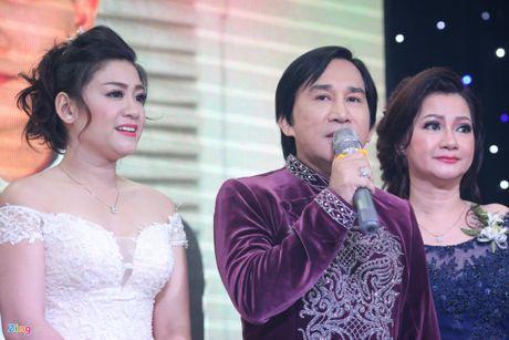 Chuyen showbiz: Tuan Hung be bong vo trong chuyen luu dien o Han Quoc - Anh 4