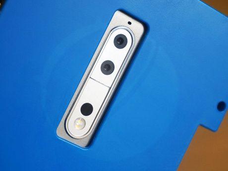 Smartphone cao cap Nokia 9 lan dau lo dien - Anh 1