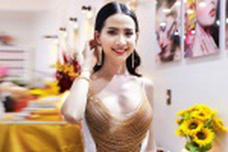 Phan Thi Mo mac tre nai, khoe vong mot cuc sexy - Anh 11