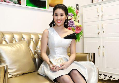 Phan Thi Mo mac tre nai, khoe vong mot cuc sexy - Anh 5