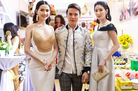 Phan Thi Mo mac tre nai, khoe vong mot cuc sexy - Anh 7