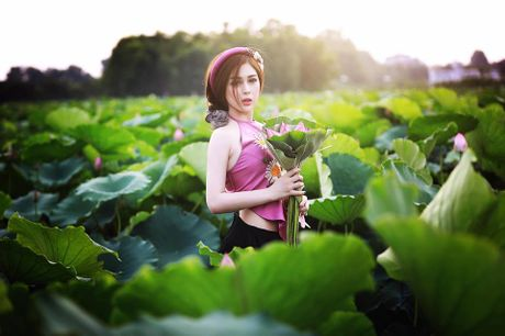 Dien vien Vo Thanh Hien goi cam ben sen: 'Doi khi phai manh me buong bo cai cu de don nhan cai moi' - Anh 10