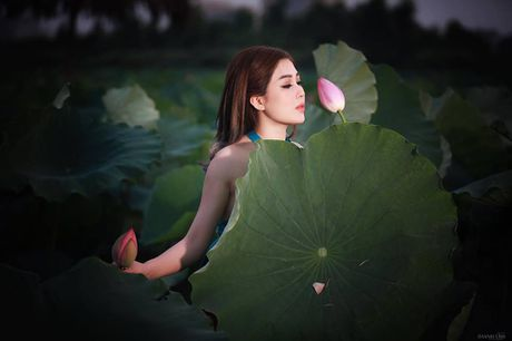 Dien vien Vo Thanh Hien goi cam ben sen: 'Doi khi phai manh me buong bo cai cu de don nhan cai moi' - Anh 4