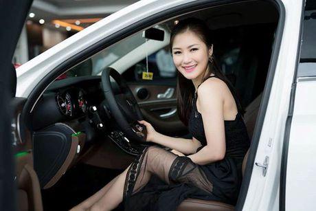 Khong can dai gia, Huong Tram, Chi Pu tu sam xe tien ty gay choang - Anh 9