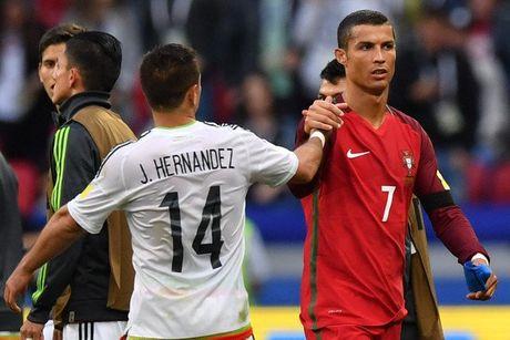 Ronaldo mat 'dua dam', ky tang cho nguoi ham mo - Anh 10