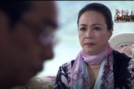 Cuoc doi thuc cua vo 'ong trum' Phan Quan trong phim Nguoi phan xu - Anh 5