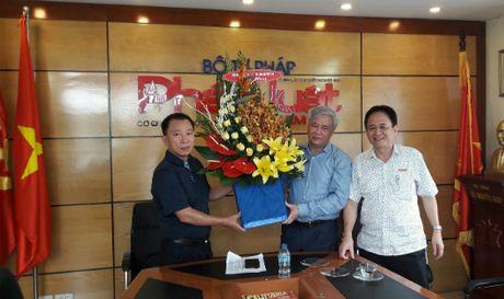 Tong cuc Thi hanh an chuc mung Bao Phap luat Viet Nam - Anh 1