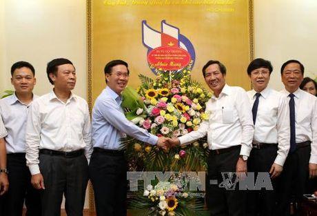 Truong ban Tuyen giao Trung uong chuc mung Hoi Nha bao Viet Nam - Anh 1