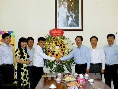 Truong ban Tuyen giao Trung uong chuc mung Hoi Nha bao Viet Nam - Anh 2
