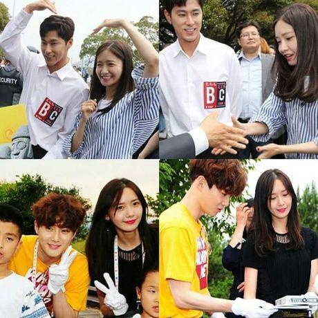 Sao Han 20/6: Yoon Ah - Yun Ho vong tay trai tim, Hani khoe duong cong - Anh 2