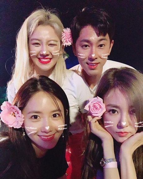 Sao Han 20/6: Yoon Ah - Yun Ho vong tay trai tim, Hani khoe duong cong - Anh 4