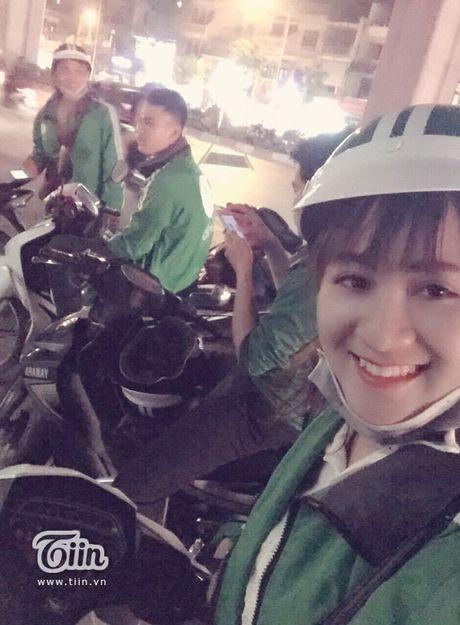 'Hotgirl Grabbike' dang duoc dan mang truy tim: Tung lam shipper va bi bung tien - Anh 3