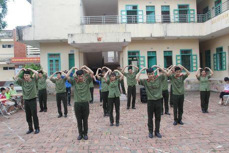 Rang ro them nu cuoi tre tho o Trung tam Bao tro xa hoi so 4 Ba Vi - Anh 2