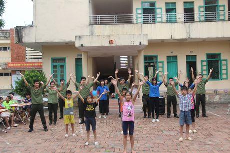 Rang ro them nu cuoi tre tho o Trung tam Bao tro xa hoi so 4 Ba Vi - Anh 4