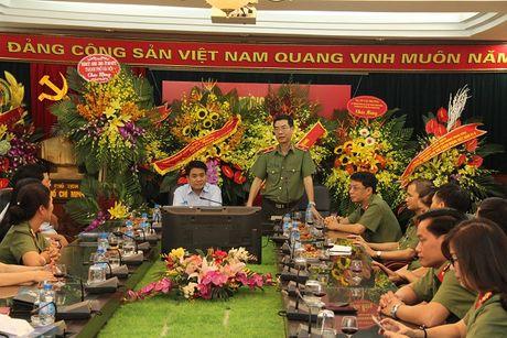 Chu tich UBND thanh pho Ha Noi Nguyen Duc Chung tham, chuc mung Bao CAND - Anh 2