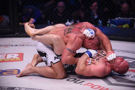 """MMA: Luc si khoe nhat hanh tinh do van """"thanh knock-out"""" - Anh 3"""