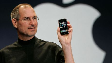 Steve Jobs tung muon iPhone co them phim Back - Anh 1