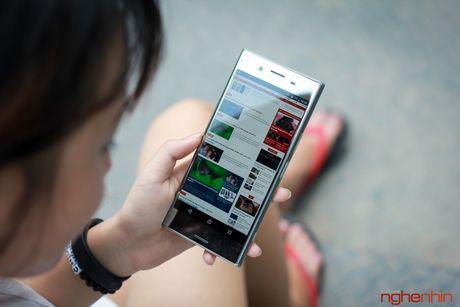 Can canh Sony Xperia XZ Premium: dep tinh te va ca tinh - Anh 9