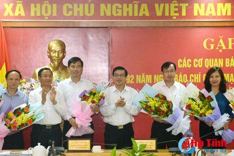 Bao chi tiep tuc thuc hien dung ton chi, muc dich, gop phan dinh huong du luan - Anh 4