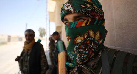 Dong minh Syria cua My to bi Damascus tan cong va doa dap tra - Anh 1