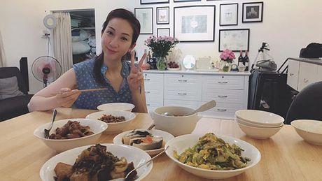 Leu Phuong Anh trai long canh bau tang 25kg, nam chat kin giuong sinh, dui gap 3 chong - Anh 4