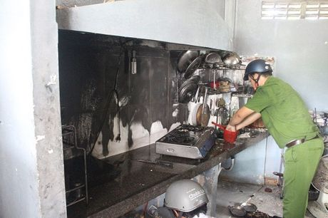 Da Nang: Lai xay ra chay giua ban ngay trong truong dai hoc - Anh 1