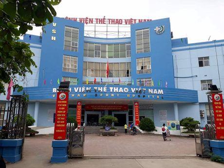 Bo Y te: Du nguyen nhan do dau, hanh hung bac si la khong the chap nhan duoc - Anh 1