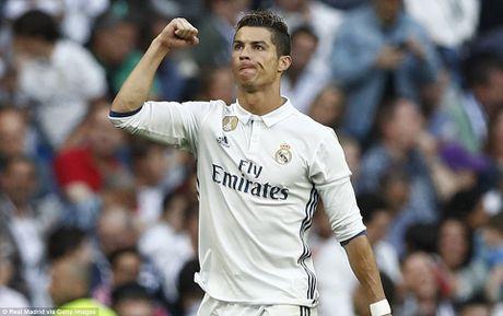 Chu tich Real Madrid tranh nhac toi Ronaldo sau khi tai dac cu - Anh 2