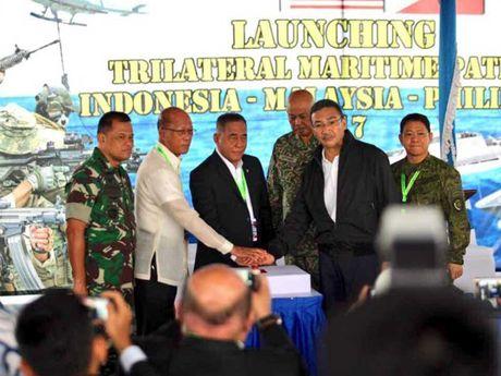 Philippines dat thoa thuan ba ben chong khung bo - Anh 1