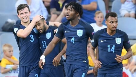 Tai nang tre Premier League giup U21 Anh len ngoi dau bang - Anh 1