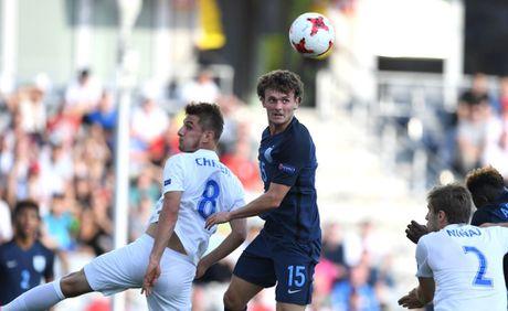 Tai nang tre Premier League giup U21 Anh len ngoi dau bang - Anh 2