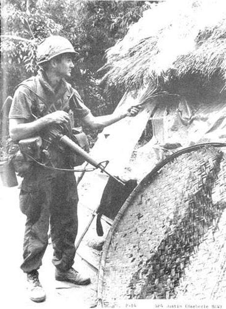 Nguoi phu nu My khoc o Viet Nam - Anh 3