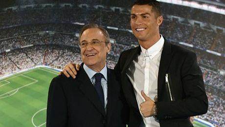 Ronaldo tuyet vong: 'Hay lam moi cach giup toi tro lai MU' - Anh 6